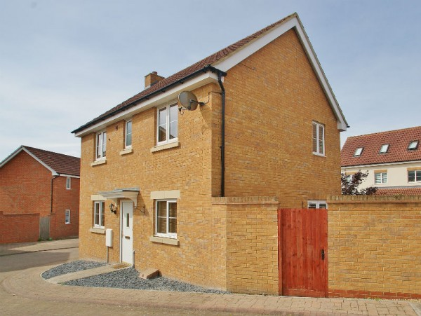 1 Littlebrook, Staverton