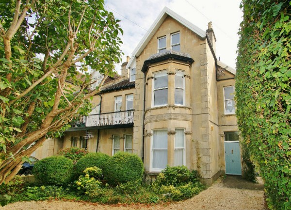 Flat 3, 47 Combe Park